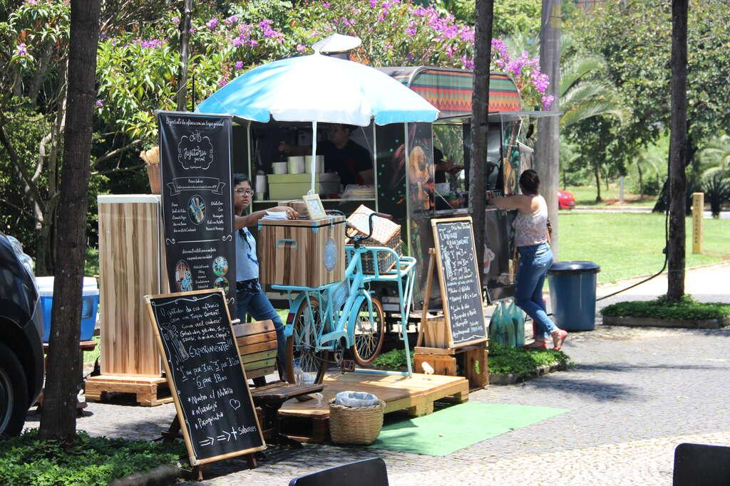 Praças oferecem opções gastronômicas